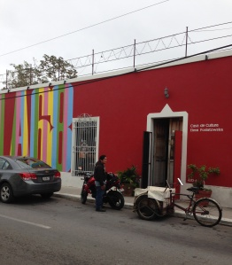 Neighbor across the street, Casa Cultura.